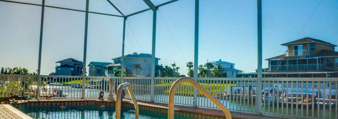 west palm beach pool cleaning and service