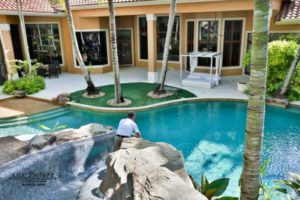 Swimming Pool Maintenance in Wellington Florida